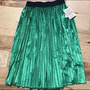 Lularoe Sz XS Elegant green velvet Jill skirt